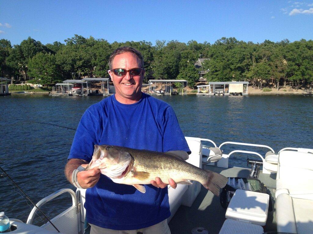 Lake Ozark Bass Fishing Barber Guide Service