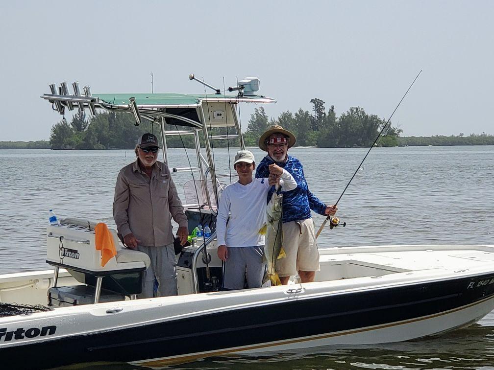 captain-charlie-jones-fishing-11.jpeg